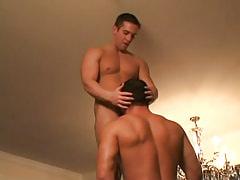 Gay hunk sucks hard 10-Pounder